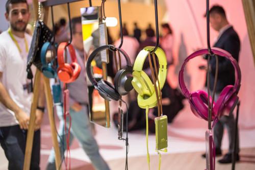 sony-headphones-walkman-hi-res-ifa-2015-15[1]